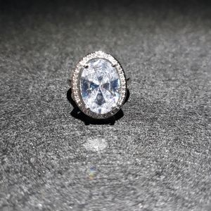 Jewelry - Natural White Topaz Solitaire Ring M10